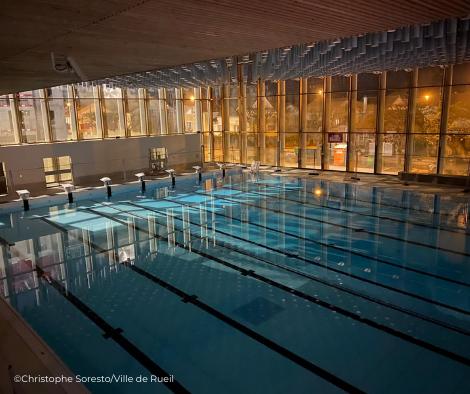 Grand bassin sportif (25mx21m) avec fond amovible